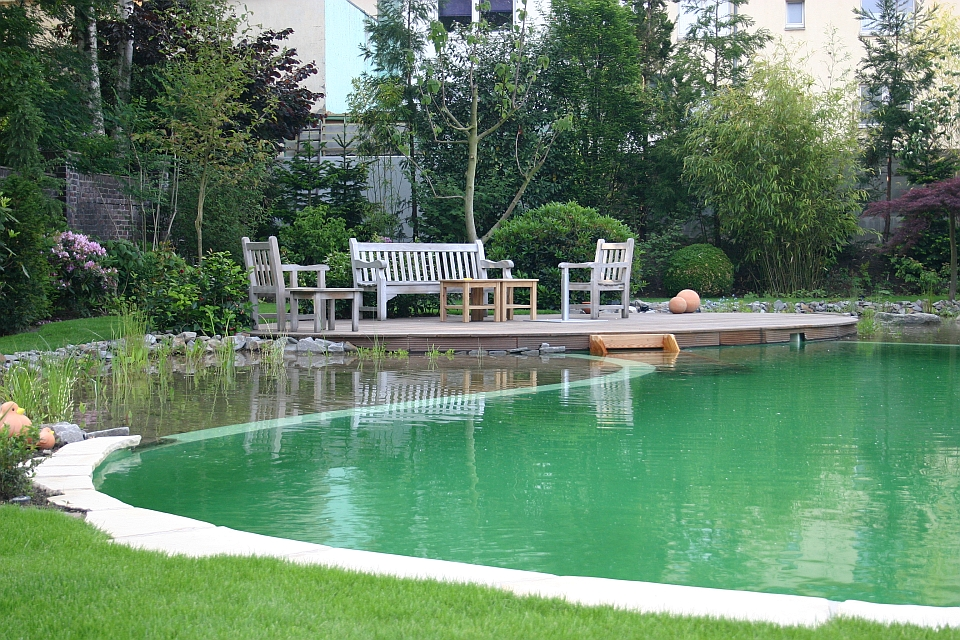 Biotop schwimmteiche gartenteiche naturpools for Pool mit teichfolie
